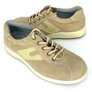 ECCO Soft Nubuck Leather Cushion Walking Shoe